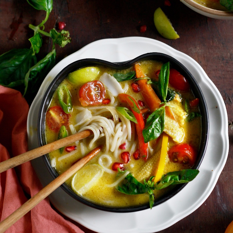 How to make Vegan Thai Noodle Soup