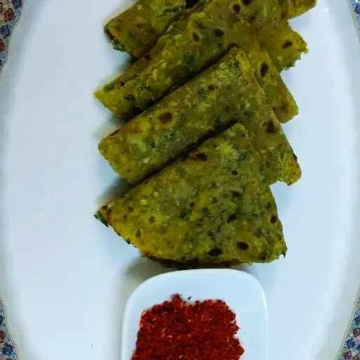 Photo of Methi bhaji thepla with garlic spice powder by Divya Konduri at BetterButter