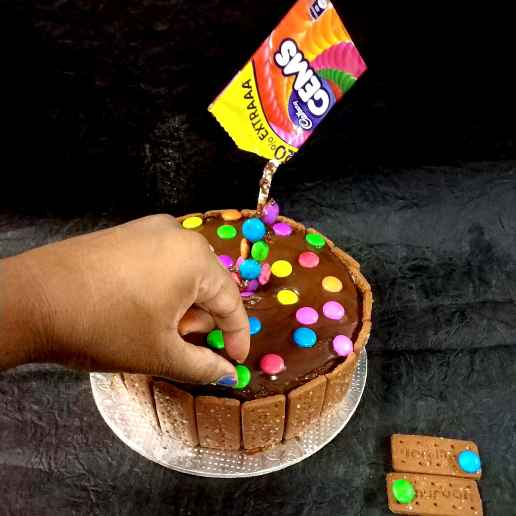 How to make Chocolate biscuit wall gems cake