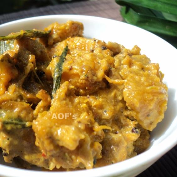 How to make Sri Lankan Pumpkin Curry (Wattaka Kalu Pol)