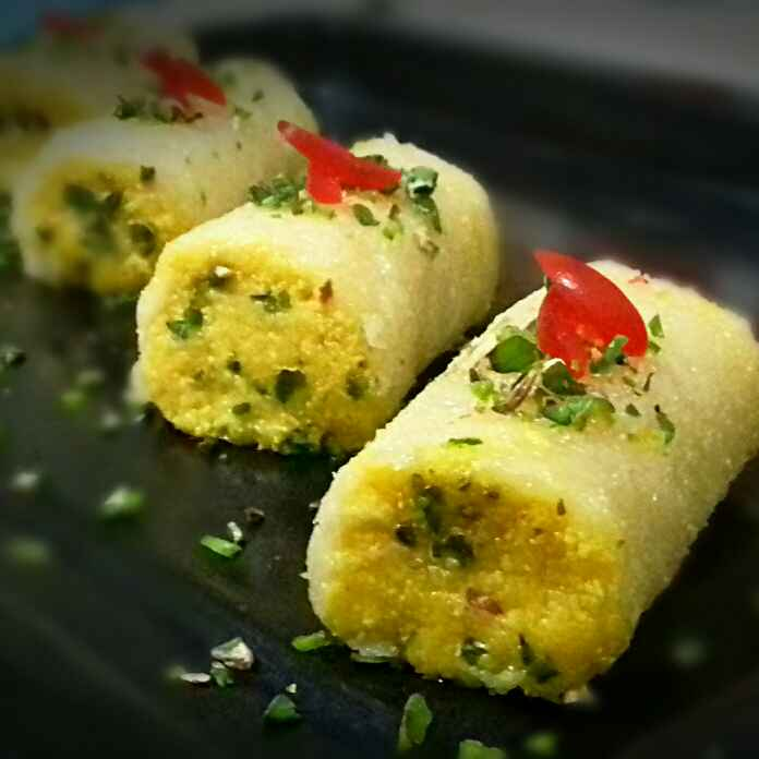 How to make Cottage cheese stuffed sweet chesse roll