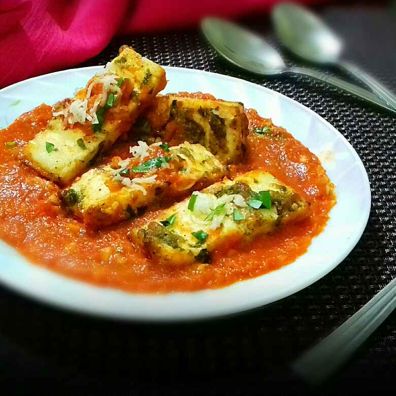 How to make Cottage cheese steaks in tomato gravy