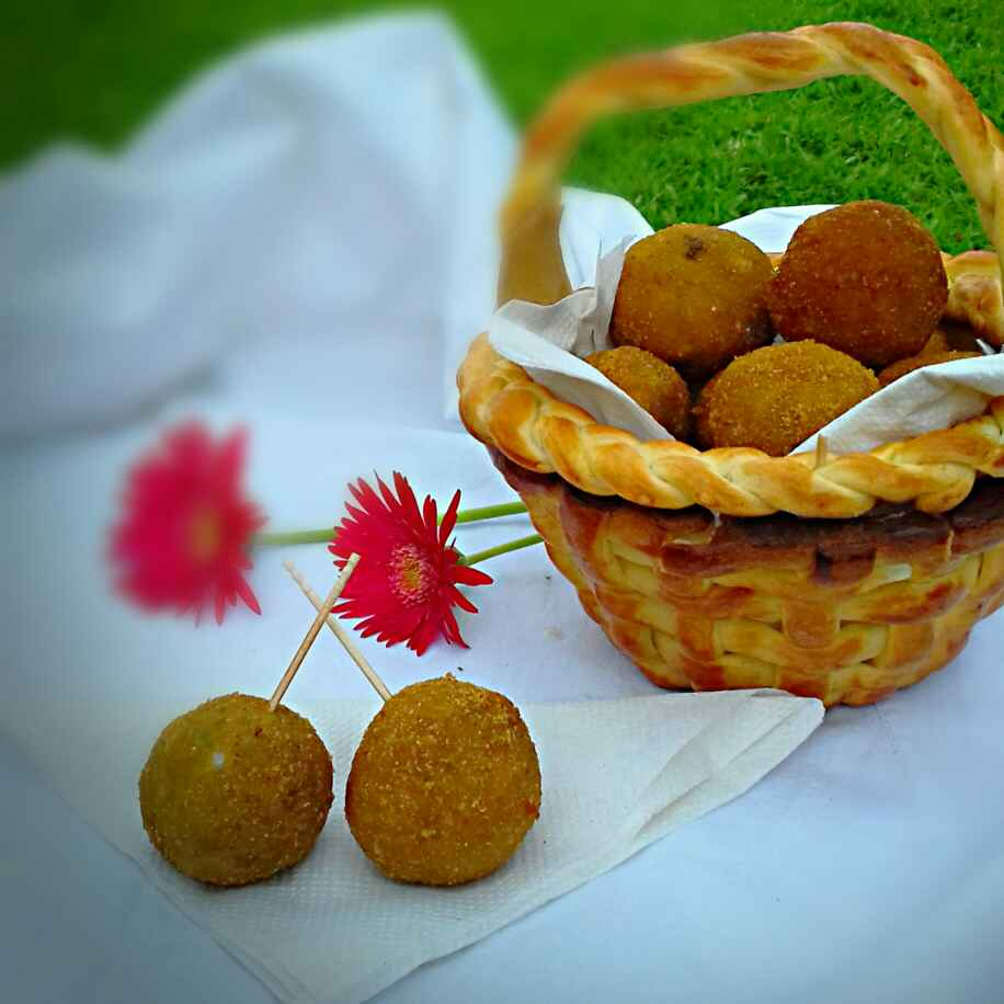 How to make Chicken Butter Balls In Butter Bread Basket