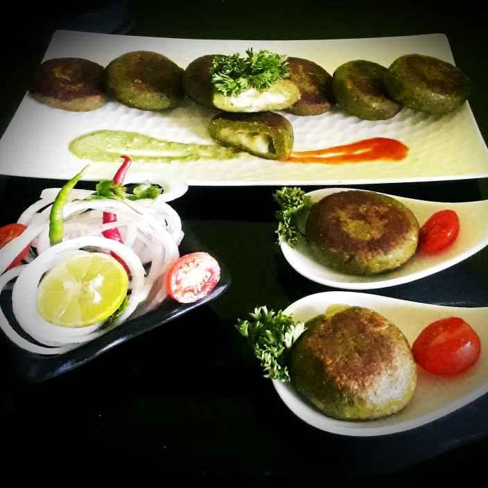 Photo of Stuffed cheese Palak murg kebab. by Tanhisikha Mukherjee at BetterButter