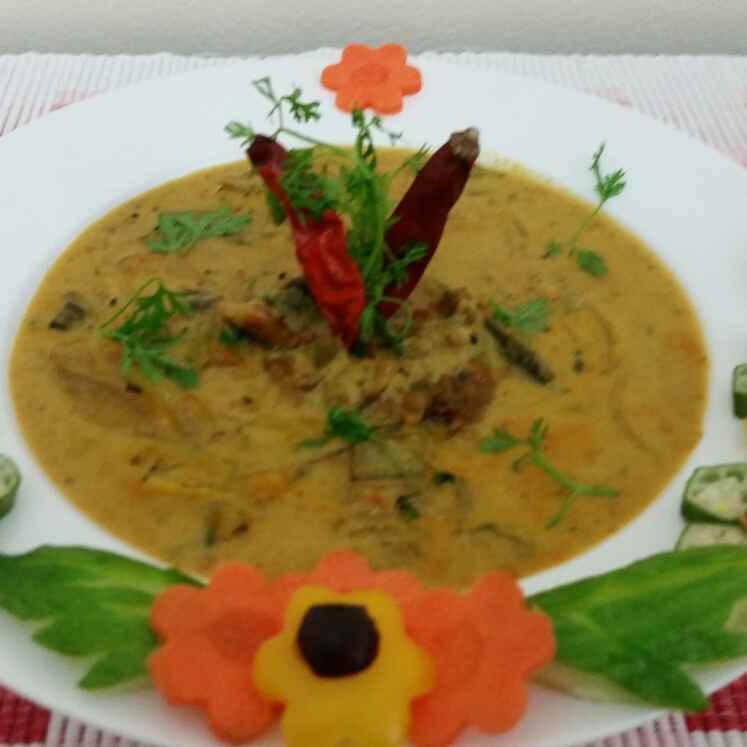 Photo of Bhindi Kadhi ladyfingers in gram flour and yoghurt gravy by Tanuja Keshkar at BetterButter
