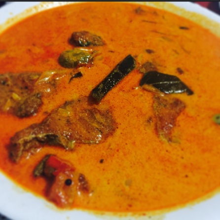 How to make Kerala style fish curry in Coconut milk