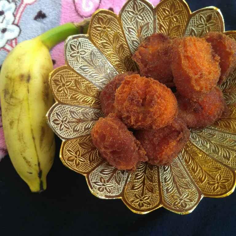 How to make Pazham Pori(Banana fritters)