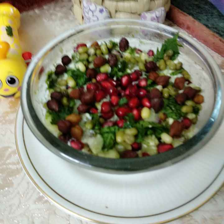How to make mix sprouts and veggies salad