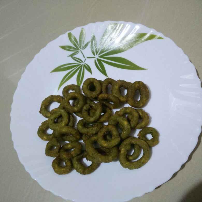 How to make పాలక్ చల్ల చెకోడీలు
