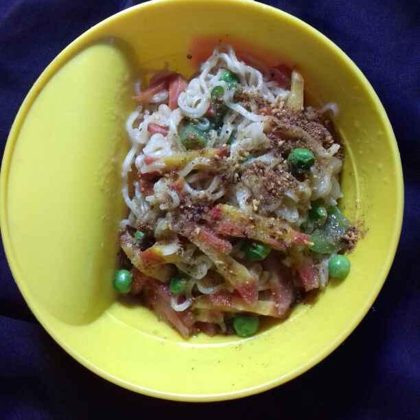 Photo of Veg Noodles Masala by Tumpa Roy at BetterButter