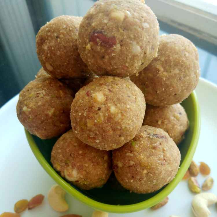 How to make Dry Fruits And Dink Laddoo