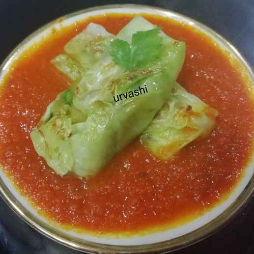 Photo of Cabbage roll in tomato grevy by Urvashi Belani at BetterButter