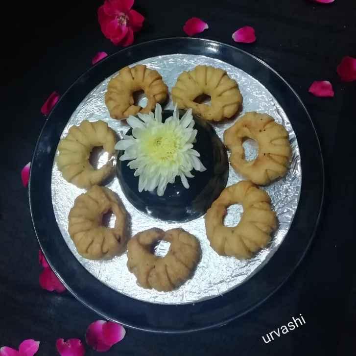 Photo of Dry layered smosa ring by Urvashi Belani at BetterButter