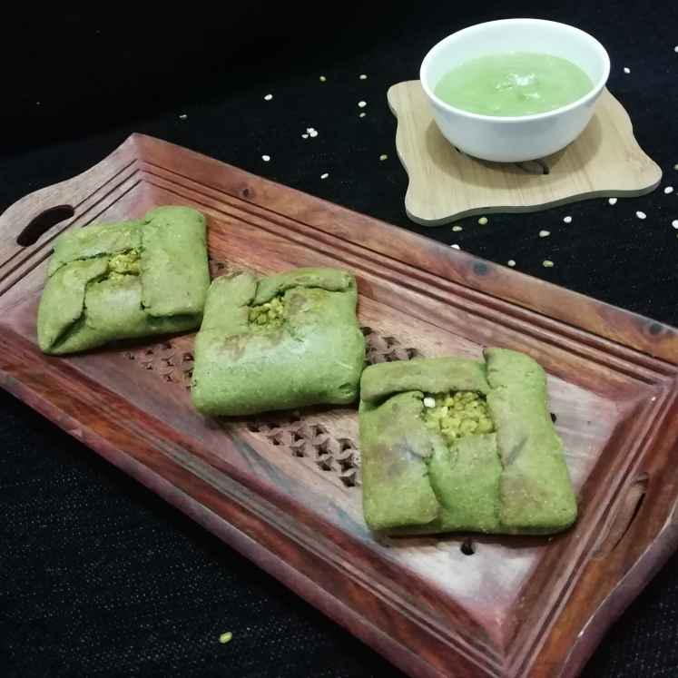 Photo of Spinach moong dal bati paratha by Urvashi Belani at BetterButter