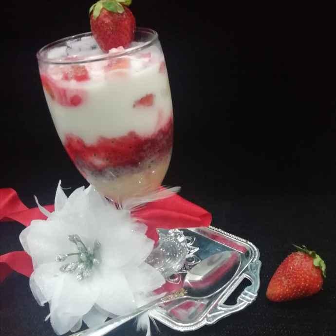 Photo of Strawberry faluda dahivada by Urvashi Belani at BetterButter