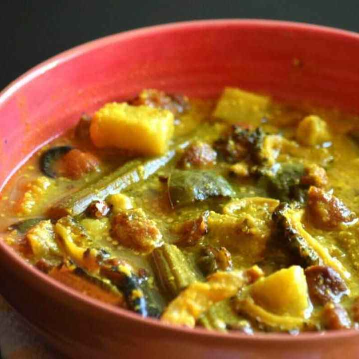How to make Sukto(vegetable medley in Bengali style)