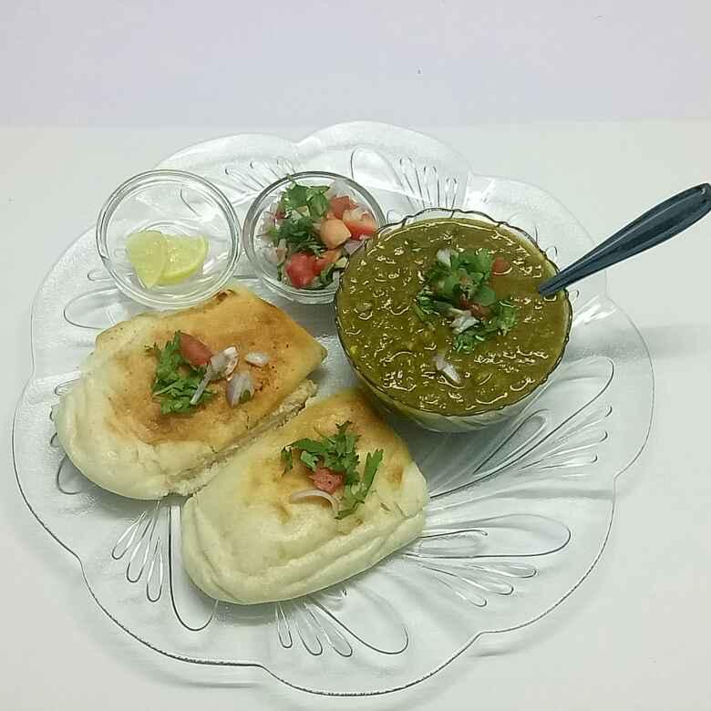 Photo of Hariyali pav bhaji by vaishali nandola at BetterButter