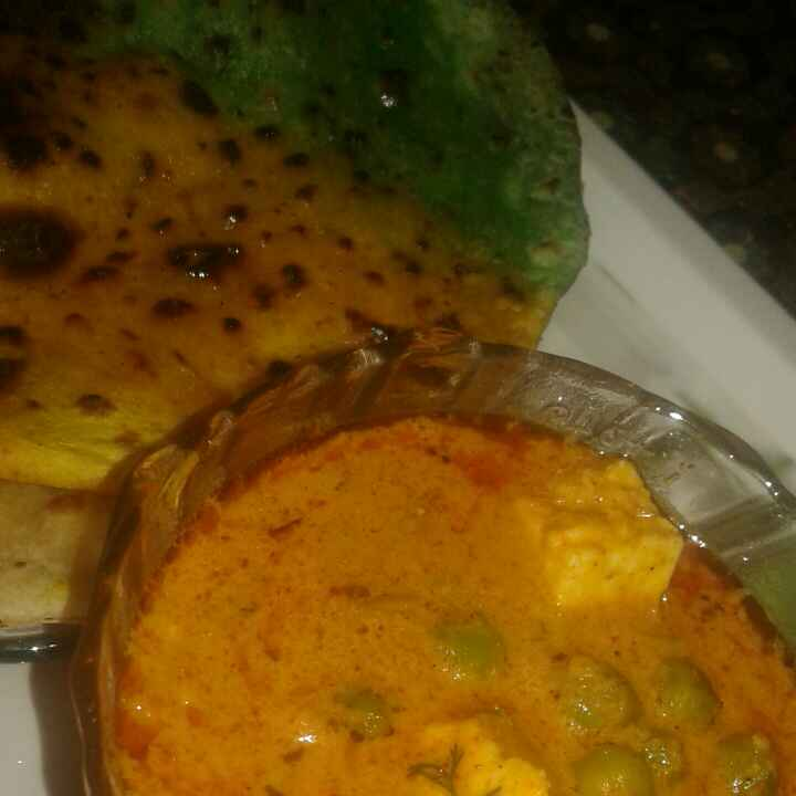 How to make Tricolour Paratha served with Tricolour subji