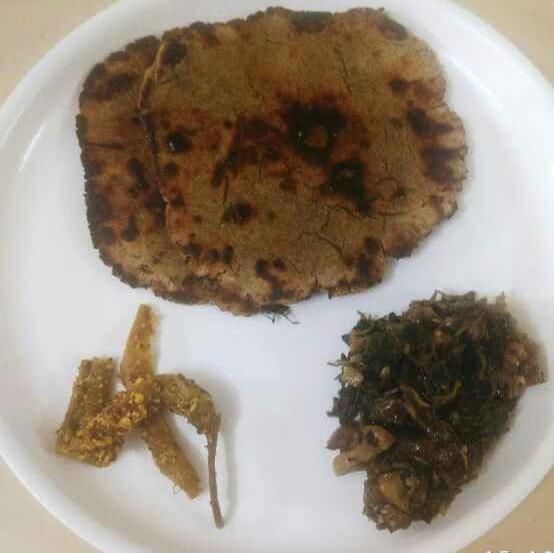 Photo of Bajre ki roti sang methi ka sag by Vandana Gupta at BetterButter