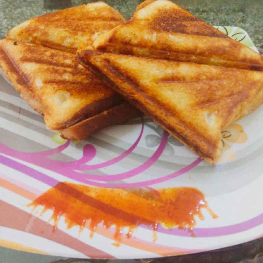 Photo of Karare aalu sandwich by Vandana Gupta at BetterButter