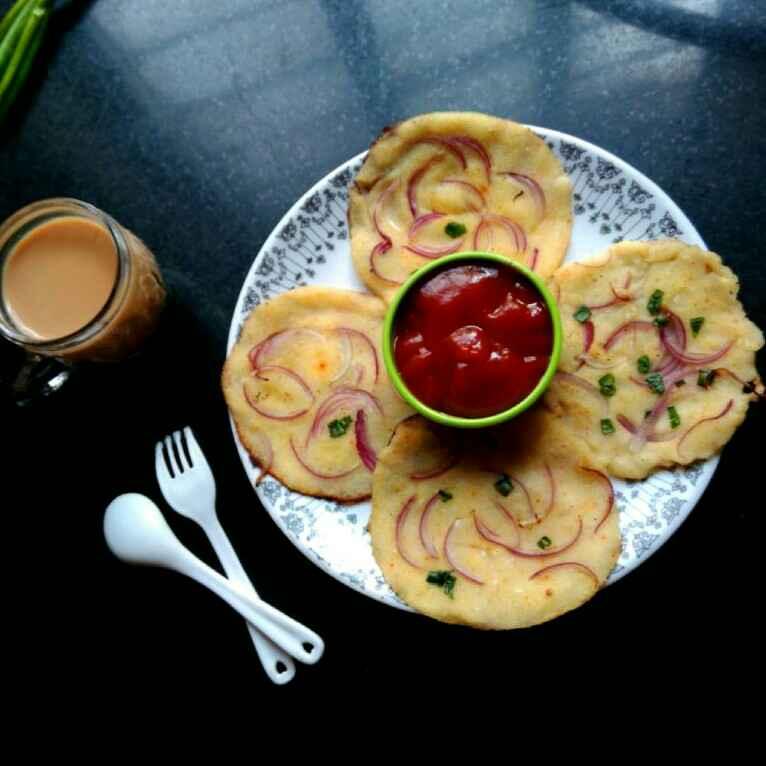 Photo of Semolina Onion Uttapam by Vandana Jangid at BetterButter