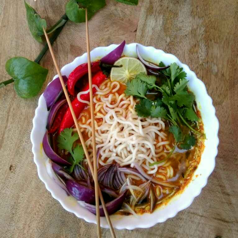 How to make Thai Curry Noodle Soup