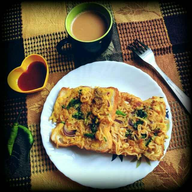 How to make Maggi Bread Tawa Pakoda