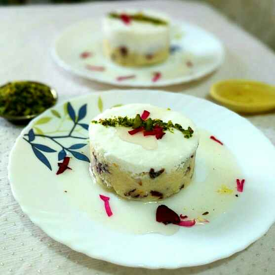 How to make Layali lubnan (semolina pudding)