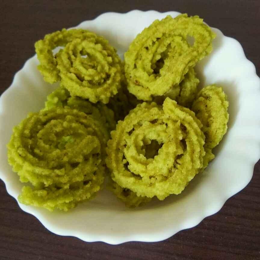 Photo of palak butter murukku by Vani Harvish at BetterButter