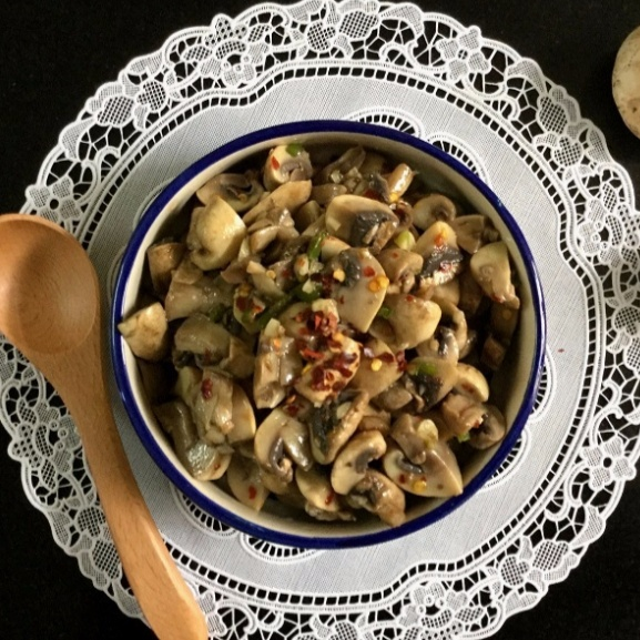 How to make Tangy Marinated Mushroom Salad