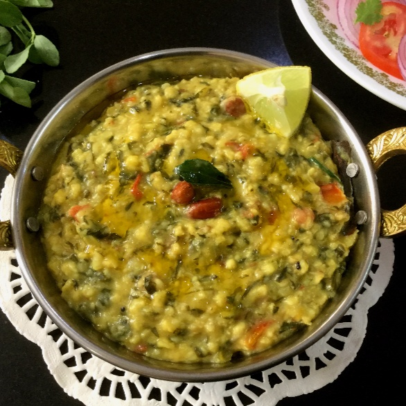 How to make Oats Khichdi with Methi Leaves