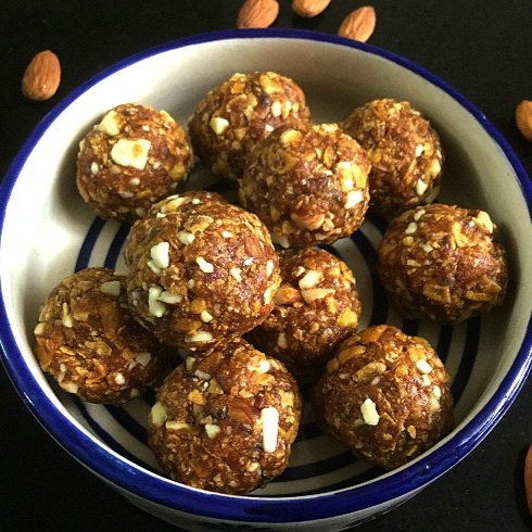 How to make Dates and Cornflakes Energy Bites