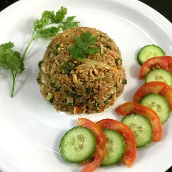 How to make Vegetarian Nasi Goreng – Indonesian Fried Rice