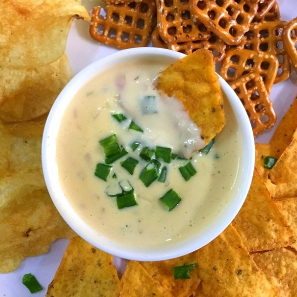 How to make Homemade Queso Dip/Mexican Cheese Sauce