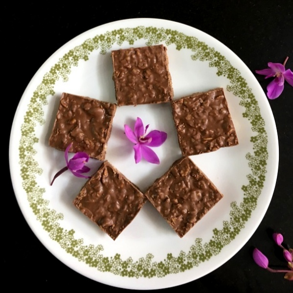 How to make CHOCOLATE CRUNCH BARS (2-ingredients)
