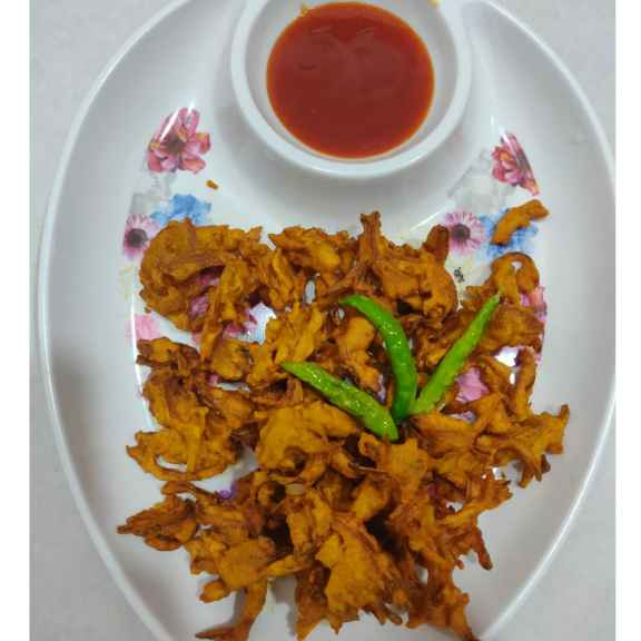 Photo of Kanda ,Crispy khekada bhaji by Varsha Deshpande at BetterButter