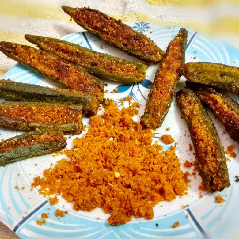 How to make Stuffed bhindi with spicy coconut powder