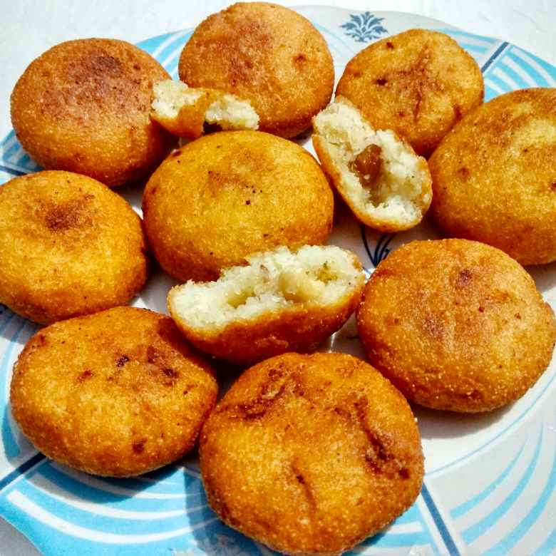 How to make Suji Kakara Pitha