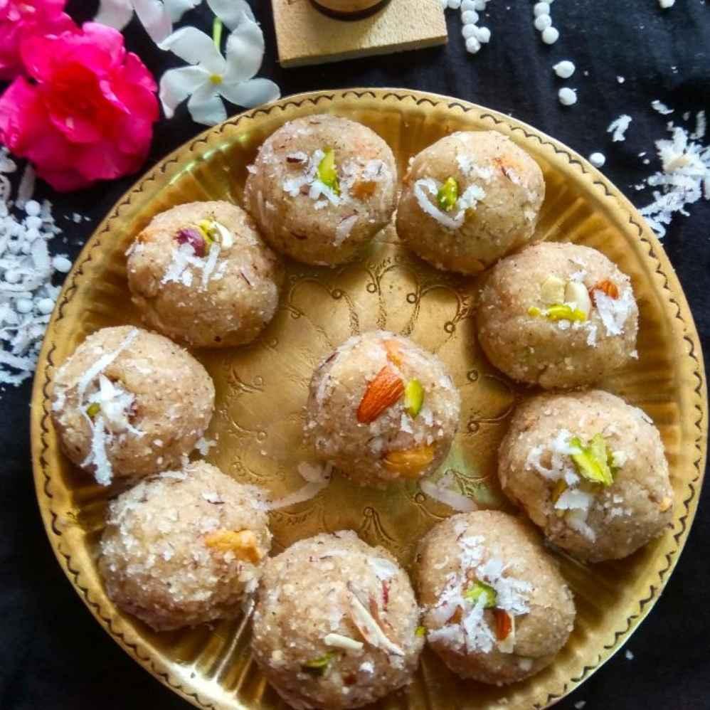 How to make Sabudana coconut ladoo with almond powder