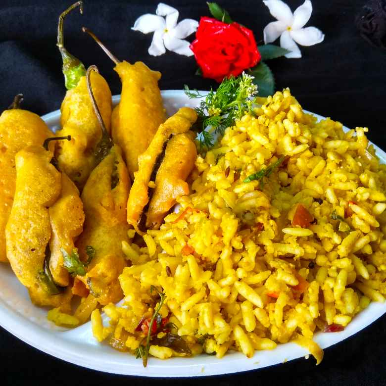 How to make Uggani bajji, Puffed rice upma