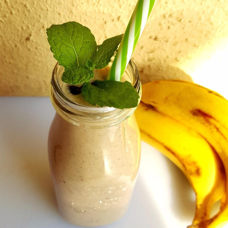How to make Banana Mango Blueberry Yogurt Smoothie