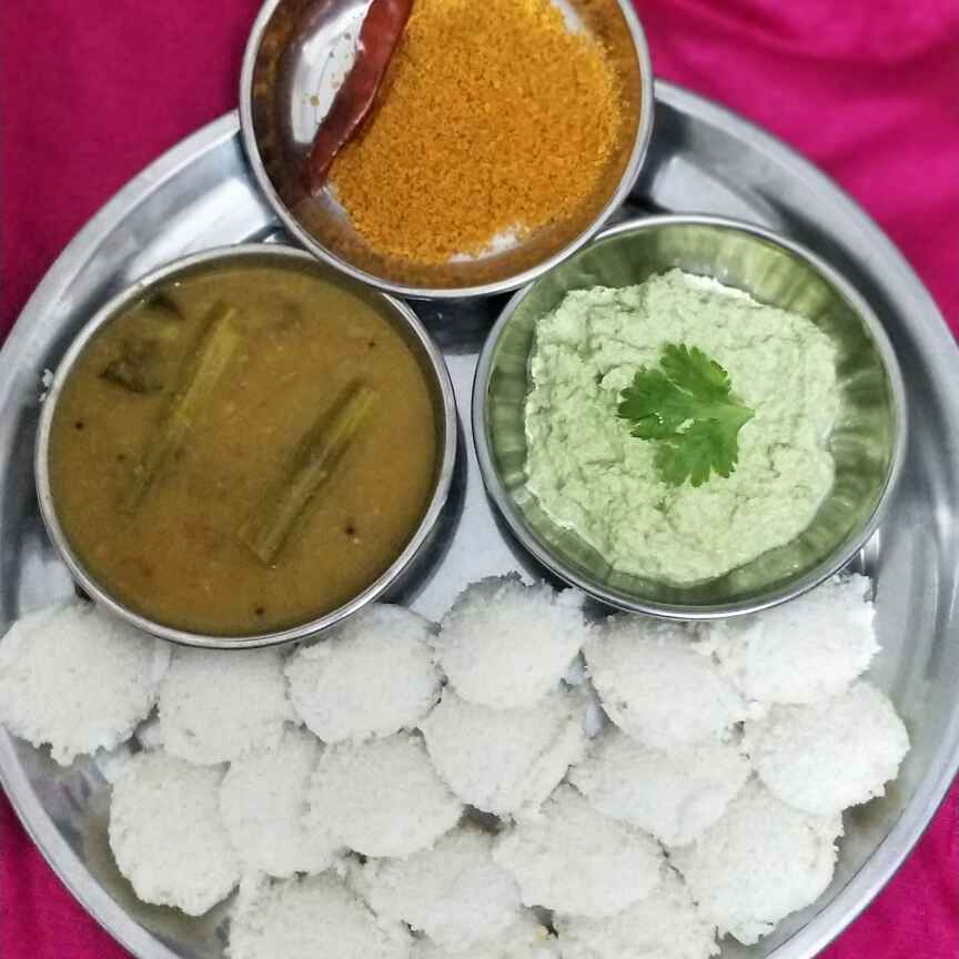 How to make Mini idlis with 3 side dish