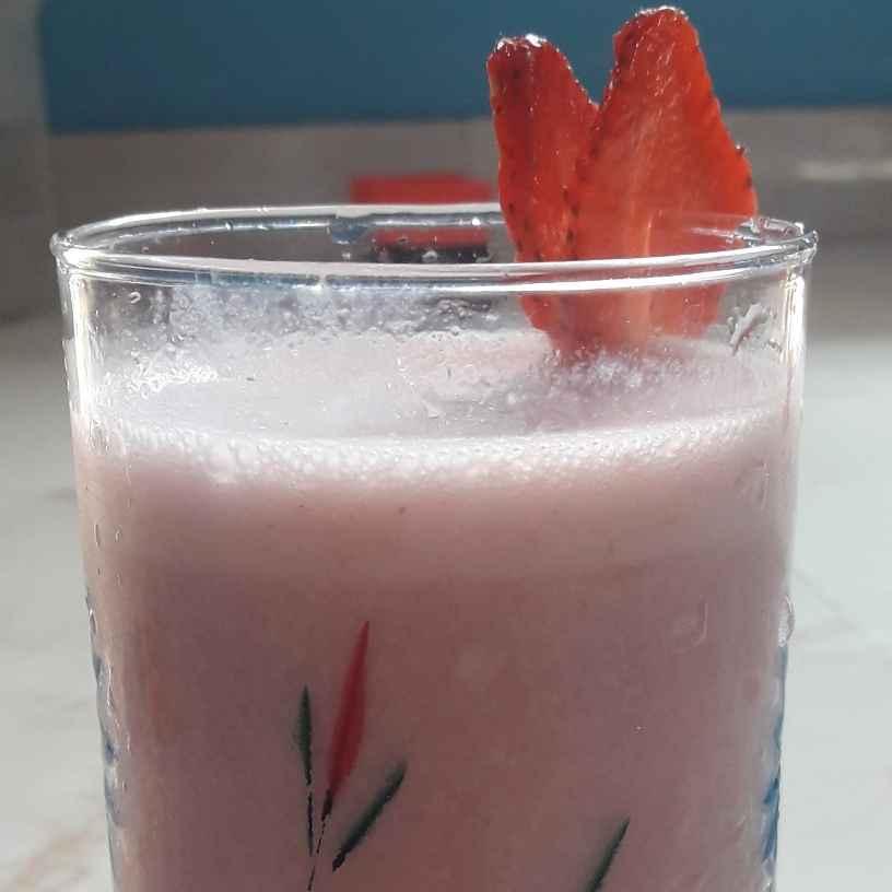 How to make Strawberry Milkshake
