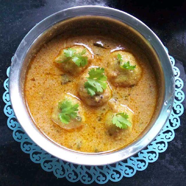How to make Paruppu Urundai Kuzhambu