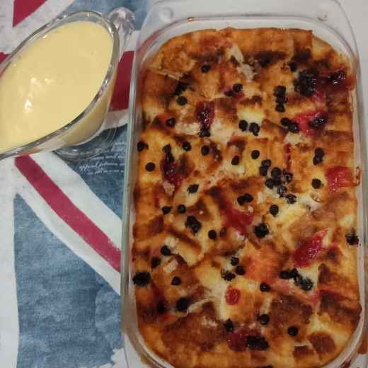 How to make Bread and Butter Pudding with creamy Vanilla sauce