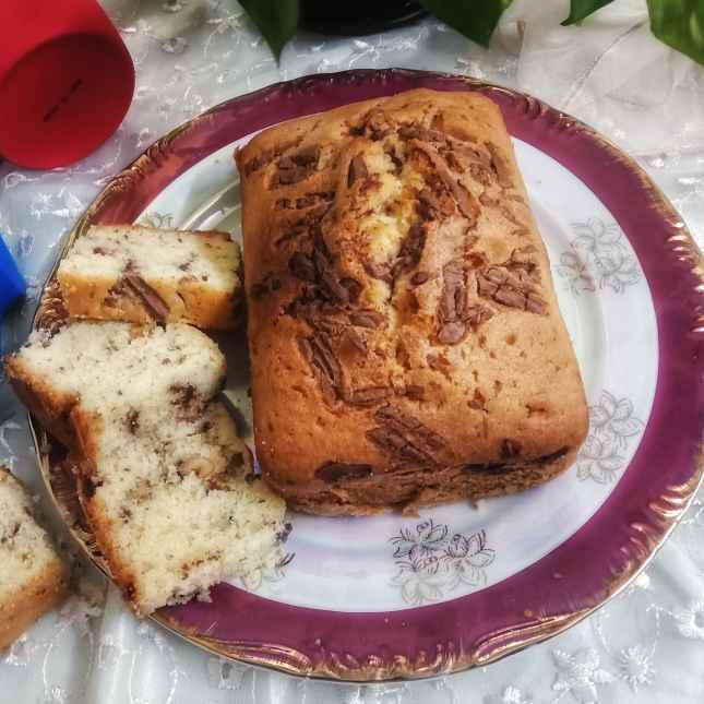 How to make Walnut Pound Cake with chocolate chunks