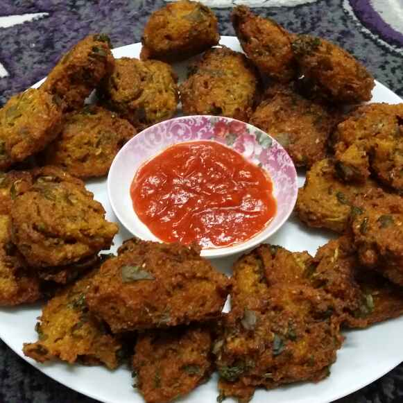 How to make Moong Dal Fritters
