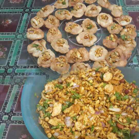How to make Bhel Gol Gappas