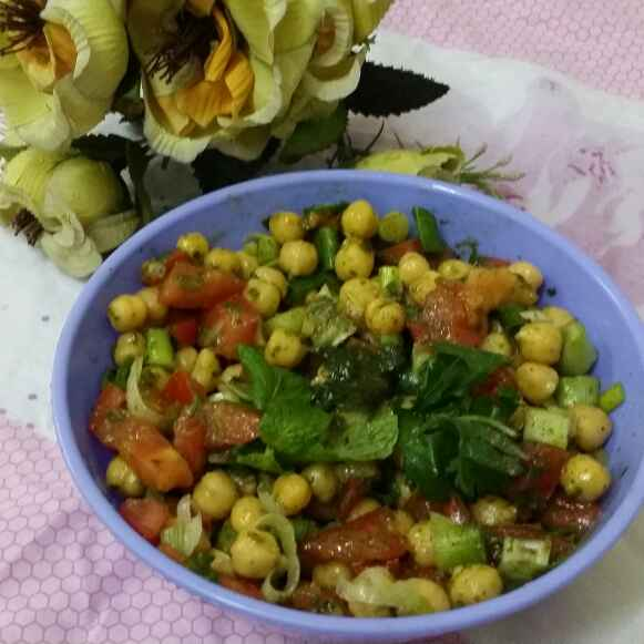 How to make Chickpea Salad With Mint Dressing