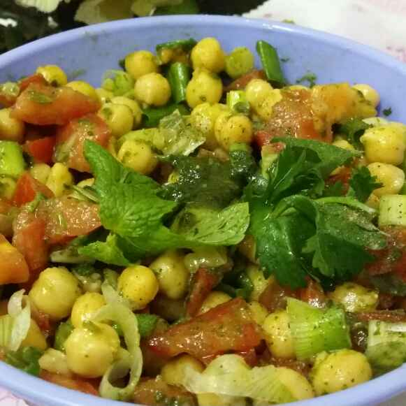 Photo of Chickpea Salad With Mint Dressing by Zeenath Muhammad Amaanullah at BetterButter